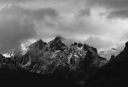 Slecht Weer in de Alpen (ZwartWit) sur