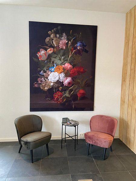 Klantfoto: Vaas met bloemen, Rachel Ruysch (gezien bij vtwonen) van Schilders Gilde, op print op doek