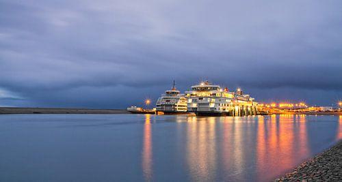 Teso schepen en rolwolk op Texel / Teso ships and rolling cloud on Texel van
