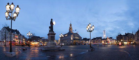 Markt in Maastricht van Wim Roebroek
