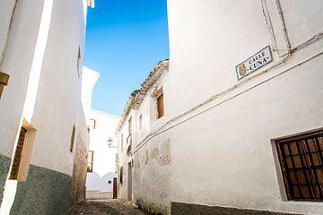 Portugees straatje van Theo van Woerden
