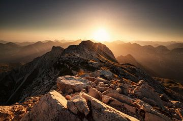 sunrise from mountain top Grosser Daumen van Olha Rohulya
