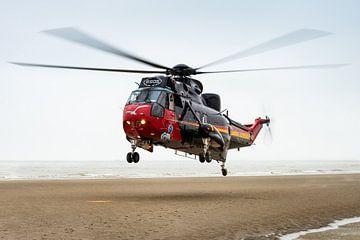 Rettungshubschrauber Sea King am Strand von Kris Christiaens