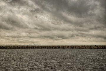 Water and Clouds van Arthur de Rijke