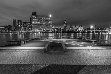 Zicht op de Maas, Rotterdam van Peter Hooijmeijer