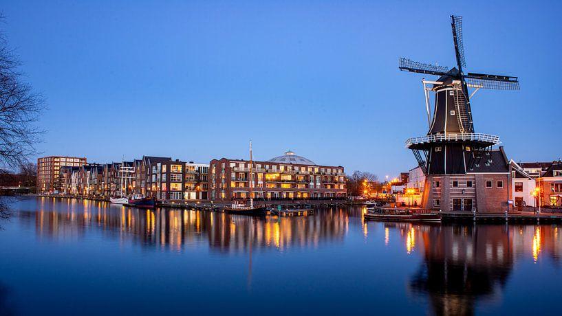 Panorama van het Spaarne in Haarlem - Maart 04 van Arjen Schippers