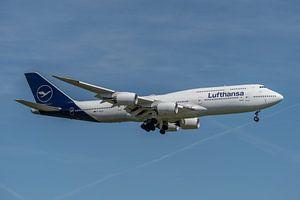 Boeing 747-8 van Lufthansa in haar nieuwe jasje, hier in de landing gefotografeerd bij de luchthaven