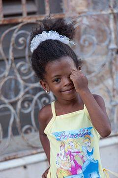 Cubaanse 'prinses' die lacht naar het vogeltje