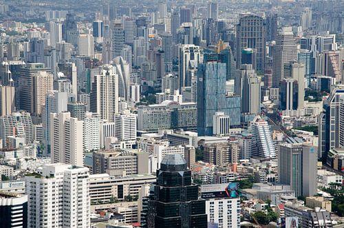 Skyline van Bangkok in Thailand van Maurice Verschuur