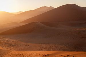 Zonsopgang bij Dune 45 in Namibië van