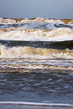 Aanstormende Noordzee golven von Jan Brons