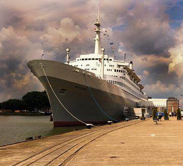 SS Rotterdam in de Rotterdamse haven van daan meeusen