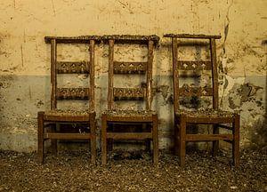 Wachtende stoelen von Demian Otten