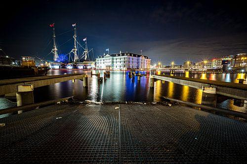 Het Scheepvaartmuseum in de avond