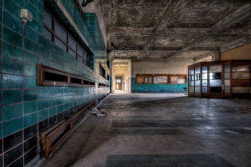 Verlaten hall van een univerisiteits school.