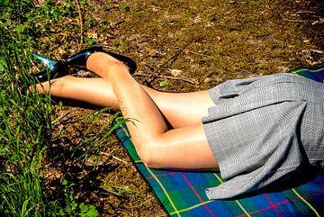 Schöne Beine in glänzenden Nylons (1) von Norbert Sülzner