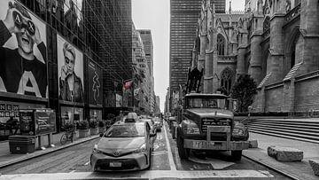 """Die amerikanische Flagge heißt """"Stars and Stripes"""" und ist in allen Straßen von New York C von Studio de Waay"""