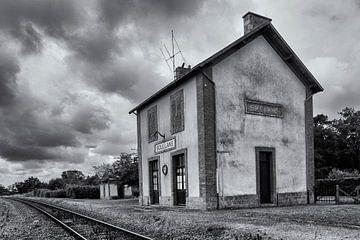 Stationshuis met perron van Marcel van der Voet
