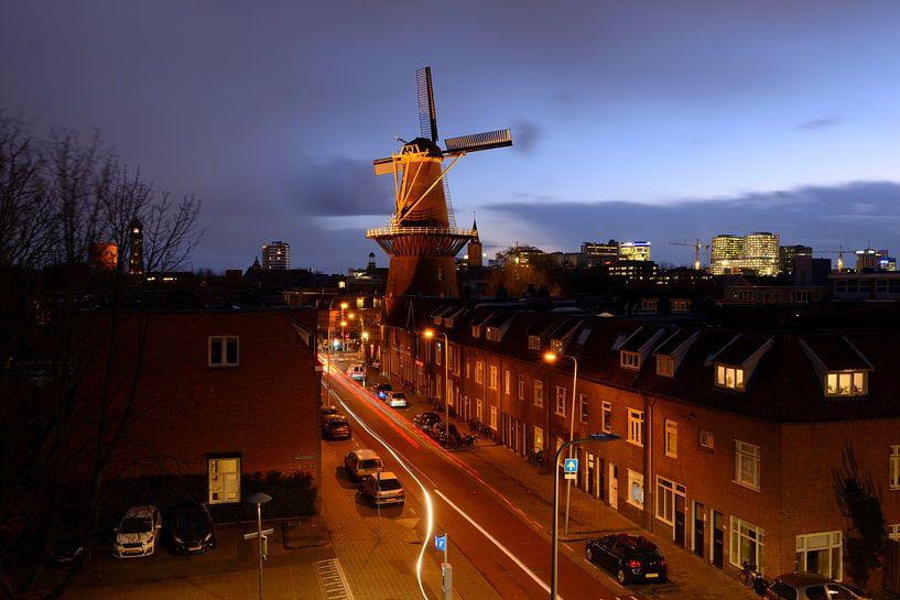 Merelstraat in Utrecht met molen Rijn en Zon van Donker Utrecht