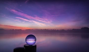 Kristalbal in de ochtend van Marc-Sven Kirsch