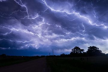 bliksem boven Nebraska van Menno van der Haven