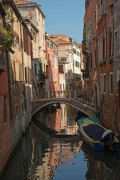 Schöne alte Häuser in Venedig. von Barbara Brolsma