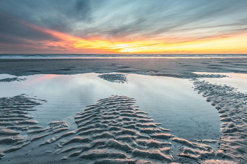 Sonnenuntergang Strand Burgh-Haamstede von Jan Poppe
