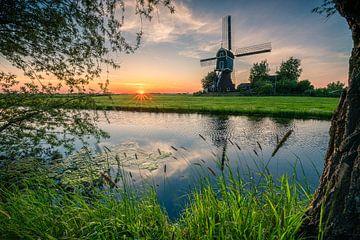 """Landschap: """"Zonsondergang in de Polder met Windmolen"""" van Coen Weesjes"""