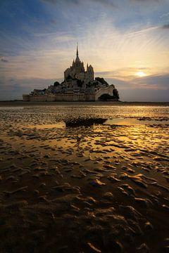 Mont Saint-Michel verticaal vanaf het wad von Dennis van de Water