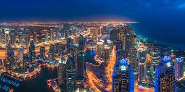 Panorama nocturne de la marina de Dubaï Skyline sur Jean Claude Castor