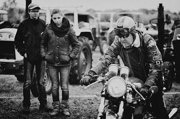 Motorradfahrer Oldtimer von Pierre Verhoeven