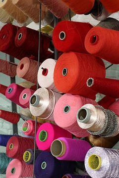 Klossen garen, een kleurrijke verzameling van Wim Bodewes