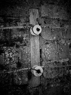 oude isolatoren van Wilfred Roelofs