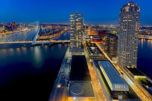 Rotterdam gaat de avond in van
