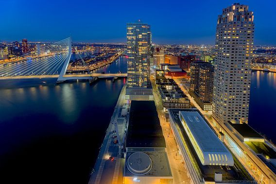 Rotterdam gaat de avond in van Roy Poots