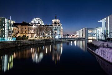 Bâtiment du Reichstag Berlin à l'heure bleue