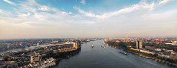 Panorama Rotterdam en de maas van Ilya Korzelius