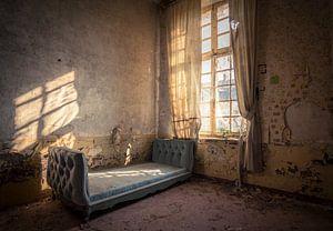 Vervallen Kasteel met een Bed