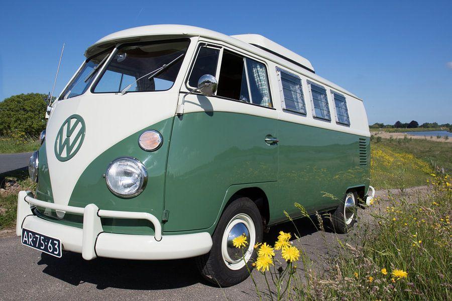 T1 Volkwagenbusje 1965 van Jolanda van Eek