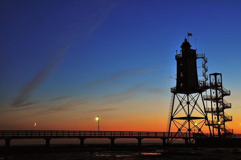 Lighthouse at sunset van Lex Schulte