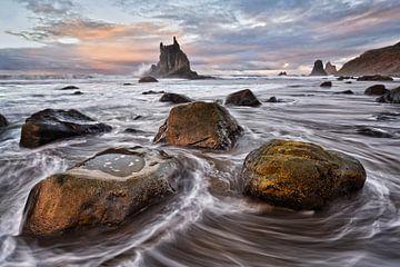 Waves at Benijo beach von Rolf Schnepp