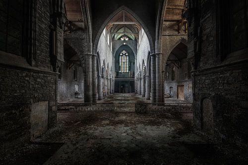 Donkere kerk