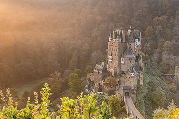 Burg Eltz im herbs von Jan Koppelaar