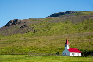 traditionelle Holzkirche auf Vatsness, Island von Jan Fritz