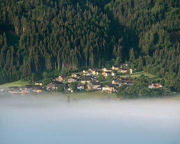 Dorf und Nebel von Wouter Bos