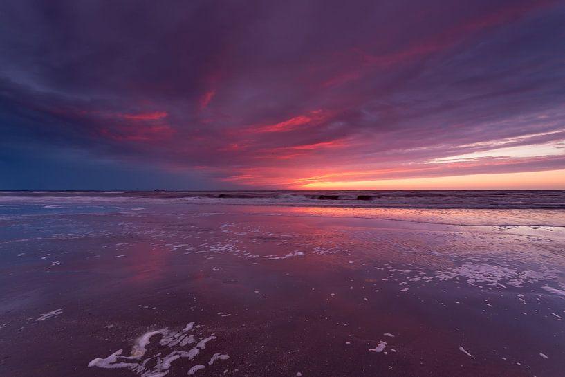 Kleurrijke zonsondergang van Koos de Wit