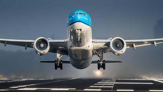 KLM Boeing 777 op Schiphol