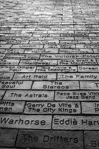Wall of Fame at the Cavern Club in Liverpool van Ad van Beek