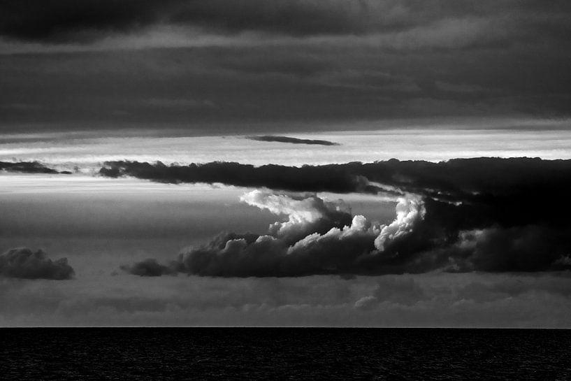 Wolken über dem Meer von Stephan Zaun