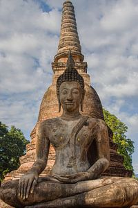 Zittende boeddha in Thailand